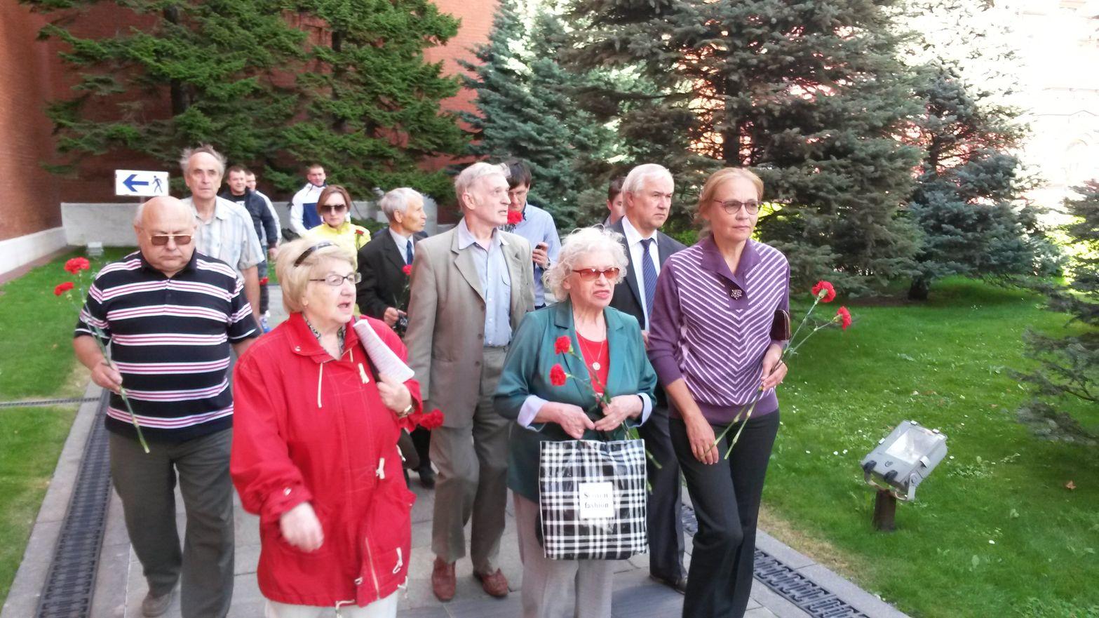 Возложение цветов на Красной площади