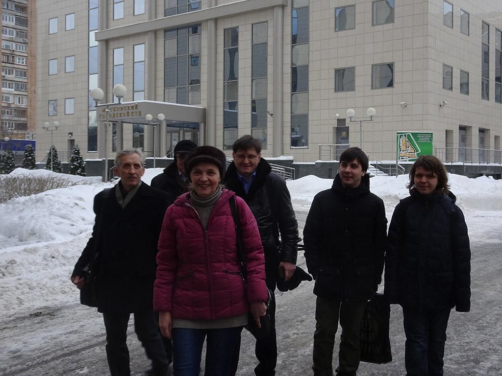 Елена Шувалова с соратниками в Мосгорсуде борется за соблюдение трудовых прав народных депутатов