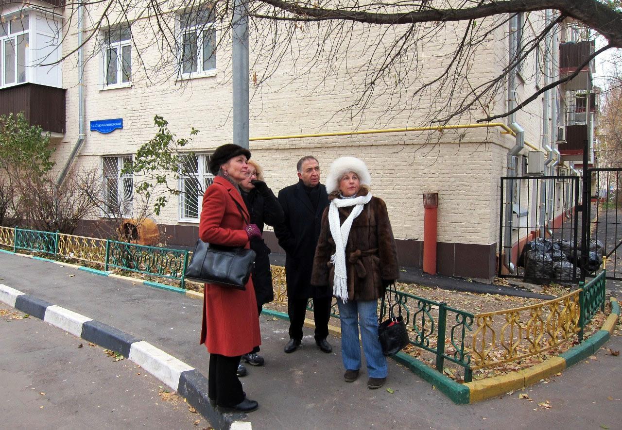 Встреча Е.А.Шуваловой с жителями в Спасоналивковском переулке