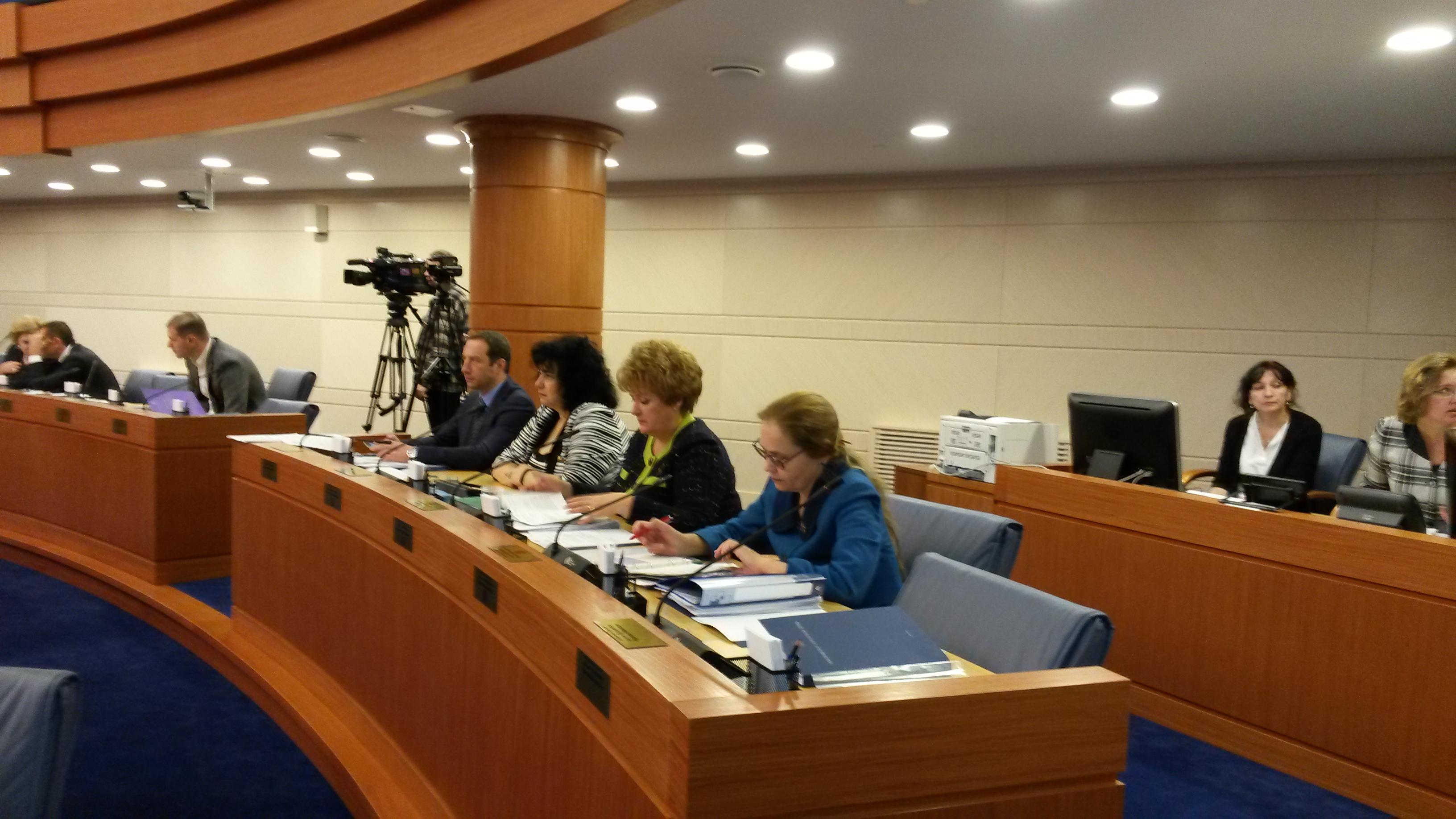 Елена Шувалова в зале заседаний Мосгордумы