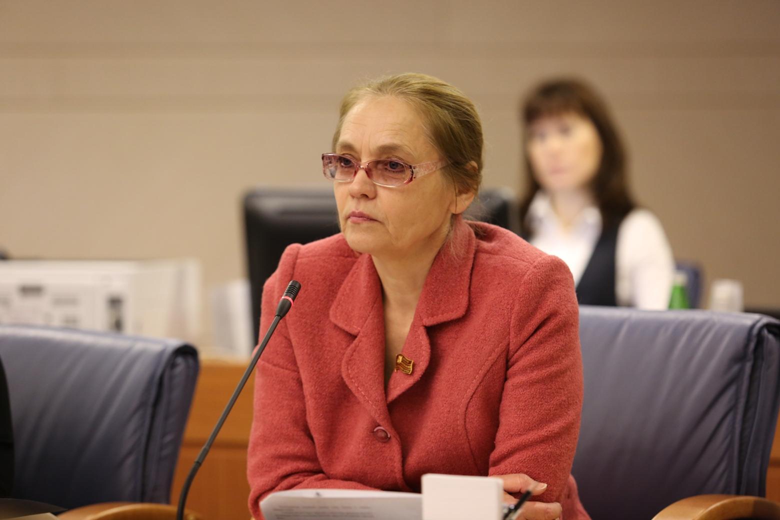 Елена Шувалова на заседании Мосгордумы