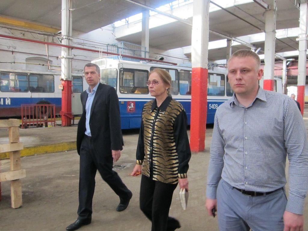 Депутат Мосгордумы Елена Шувалова в Миусском Троллейбусном парке