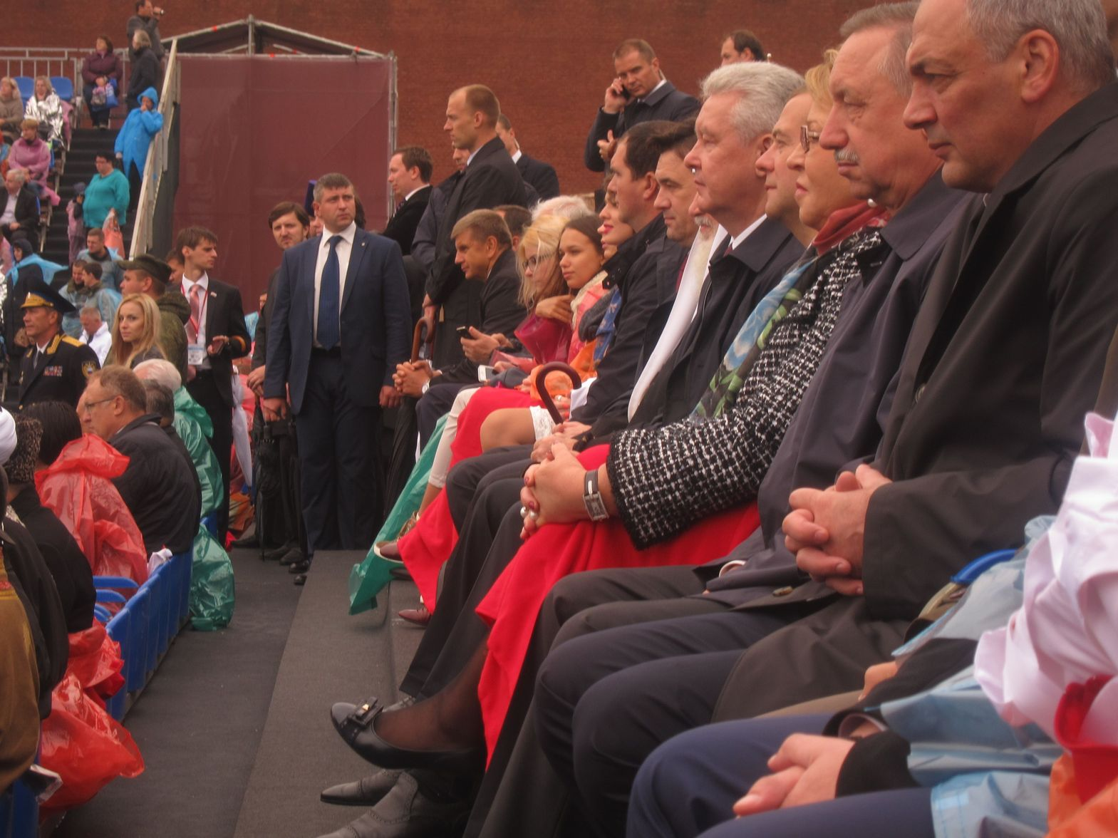 Руководство страны и города на торжествах на Красной площади