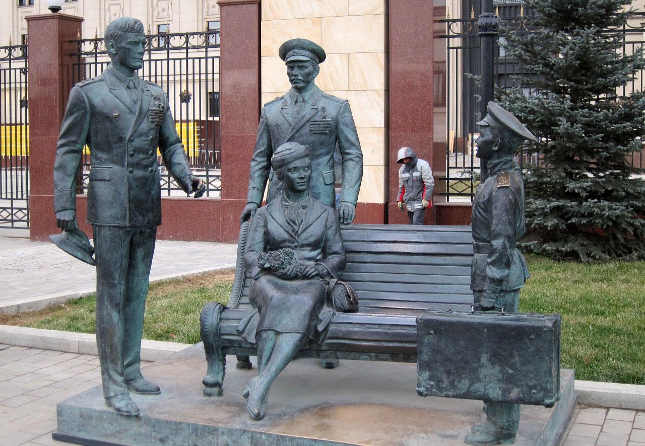 Фильм Офицеры - Иван Варавва и Трофимовы на Фрунзенской набережной