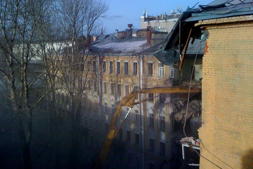 Снос доходных домов Привалова на Садовнической